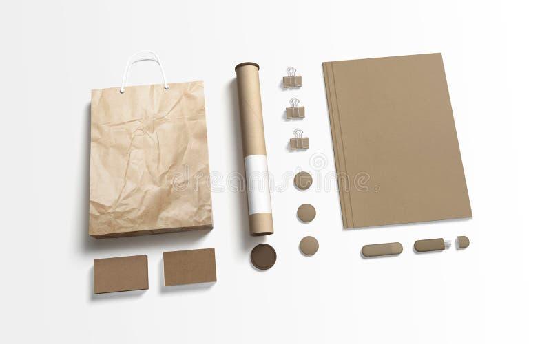 Пустые канцелярские принадлежности изолированные на белизне Бумага картона стоковое изображение rf