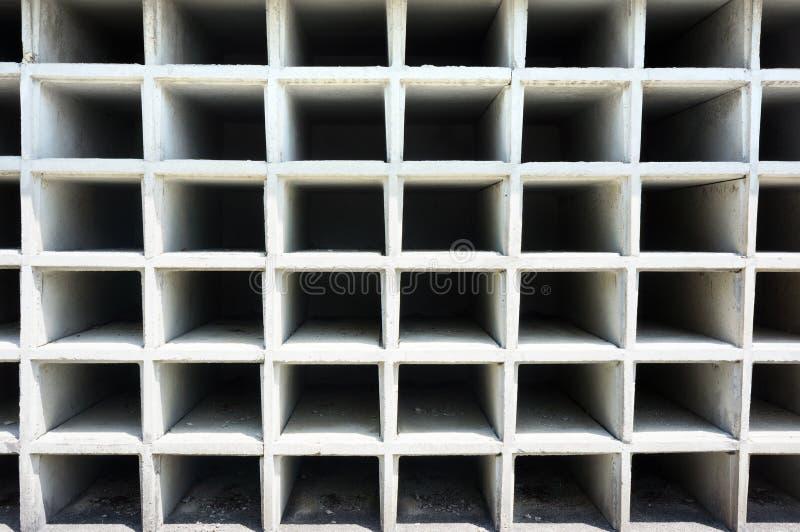 Пустые ниши на кладбище стоковая фотография rf