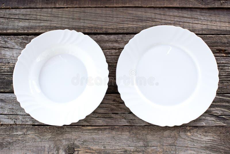 пустые плиты белые стоковые изображения rf