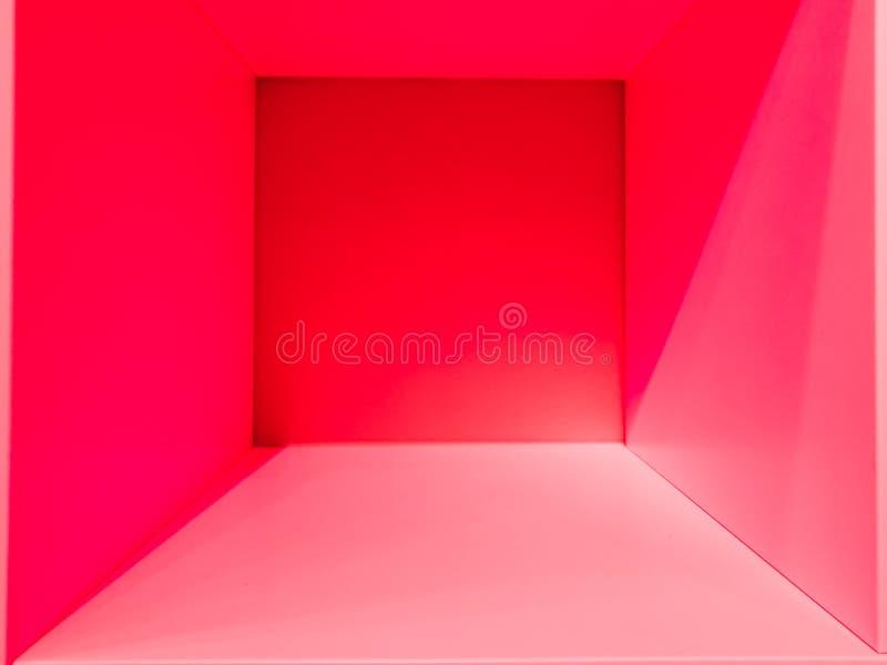 Пустые розовый космос комнаты градиента, внутренний для дизайна и украшения - абстрактной предпосылки квадратная коробка с пустым стоковые фотографии rf