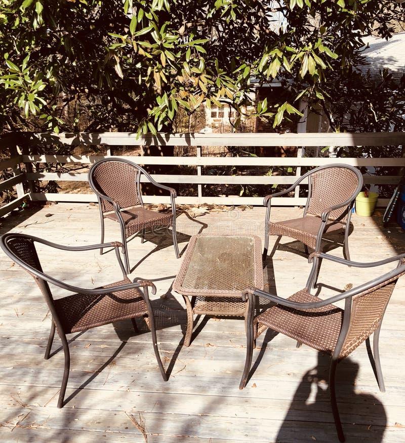 Пустые стулы стоковые фотографии rf