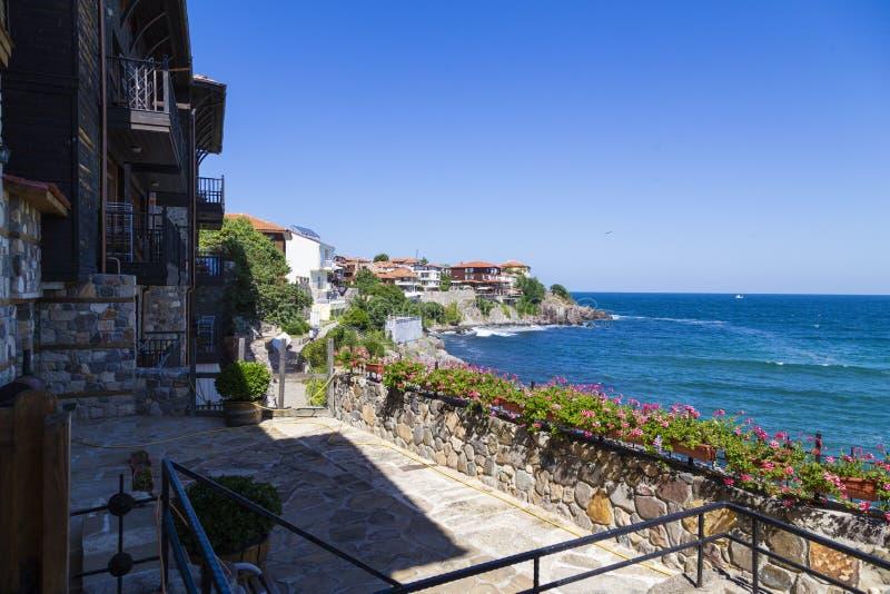 Пустые терраса и гостиницы гостиницы на цене Чёрного моря стоковое фото rf