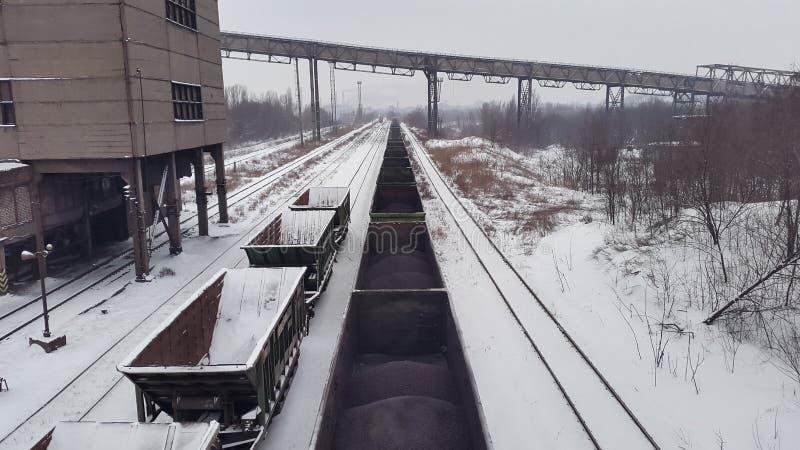 Пустые экипажи в поре зимы стоковые изображения rf