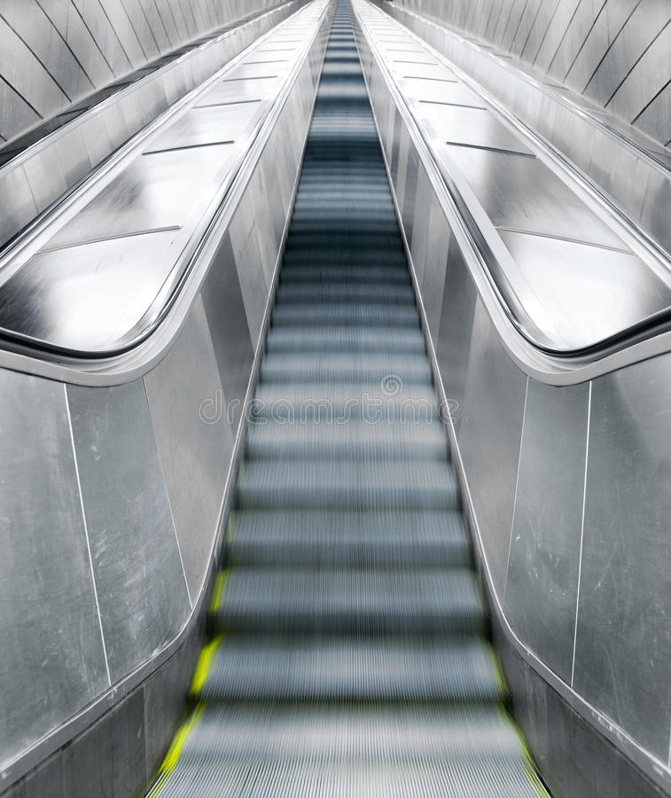 Пустые эскалаторы стоковое фото