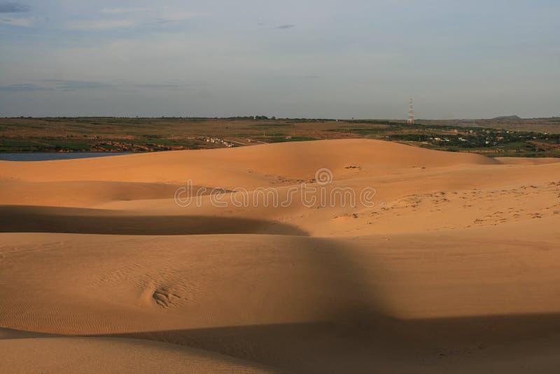 Download Пустыня в Вьетнаме стоковое изображение. изображение насчитывающей небо - 40575443