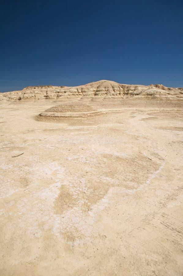 Пустыня и голубое небо стоковое фото
