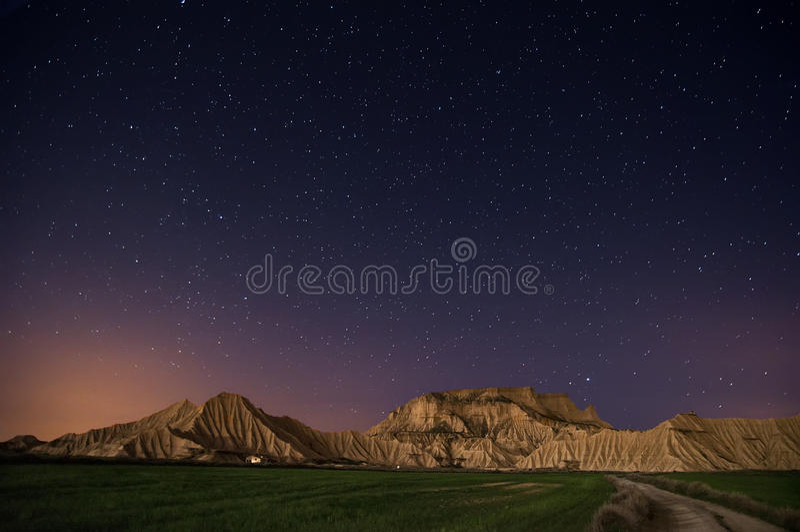 пустыня над звездами стоковое фото