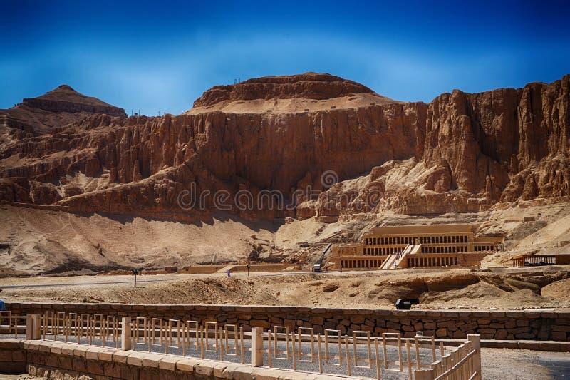 пустыня около виска ферзя Hatsepsut стоковое изображение