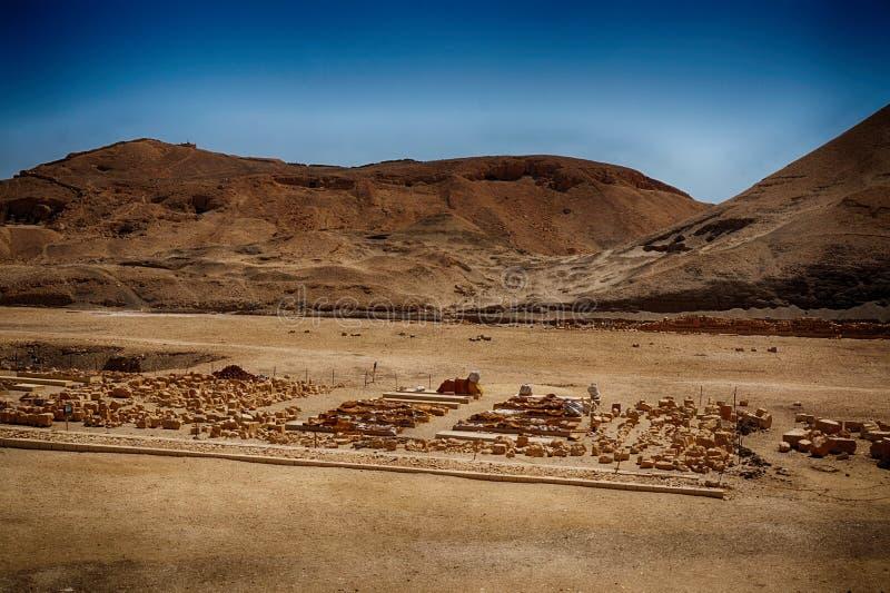 пустыня около виска ферзя Hatsepsut стоковые фото