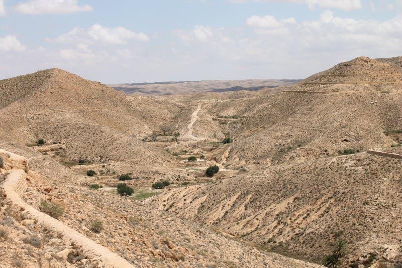 Пустыня Сахары Тунис, Matmata зона Berber в южном Тунисе стоковое изображение rf
