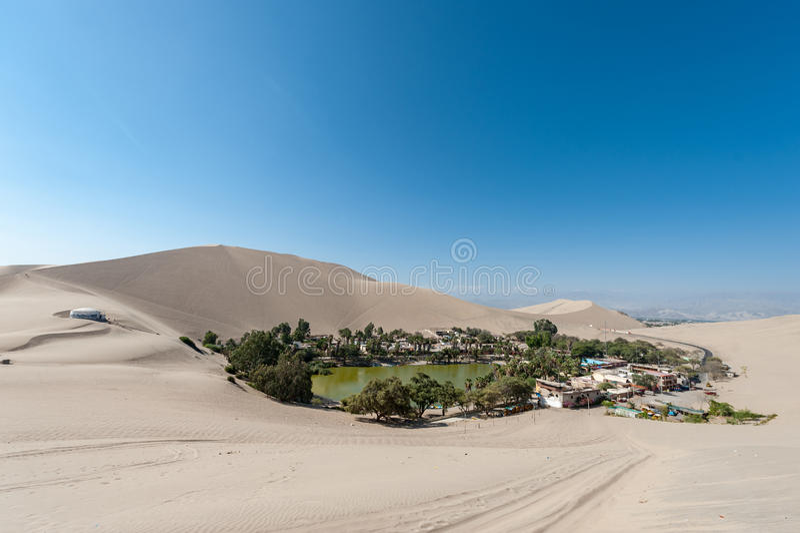 Пустыня Atacama, оазис Huacachina, Перу стоковое фото rf