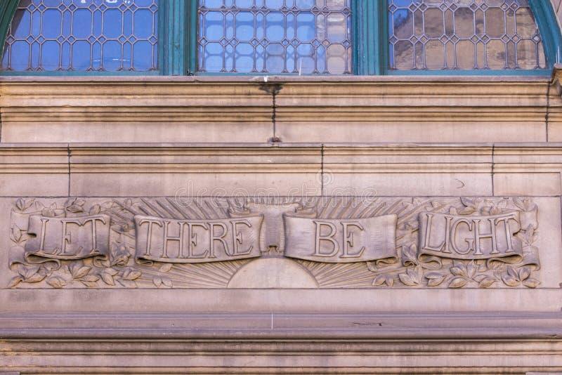 Пусть имеется освещает библиотеку настенной росписи центральную, Эдинбург, Шотландию, u стоковая фотография