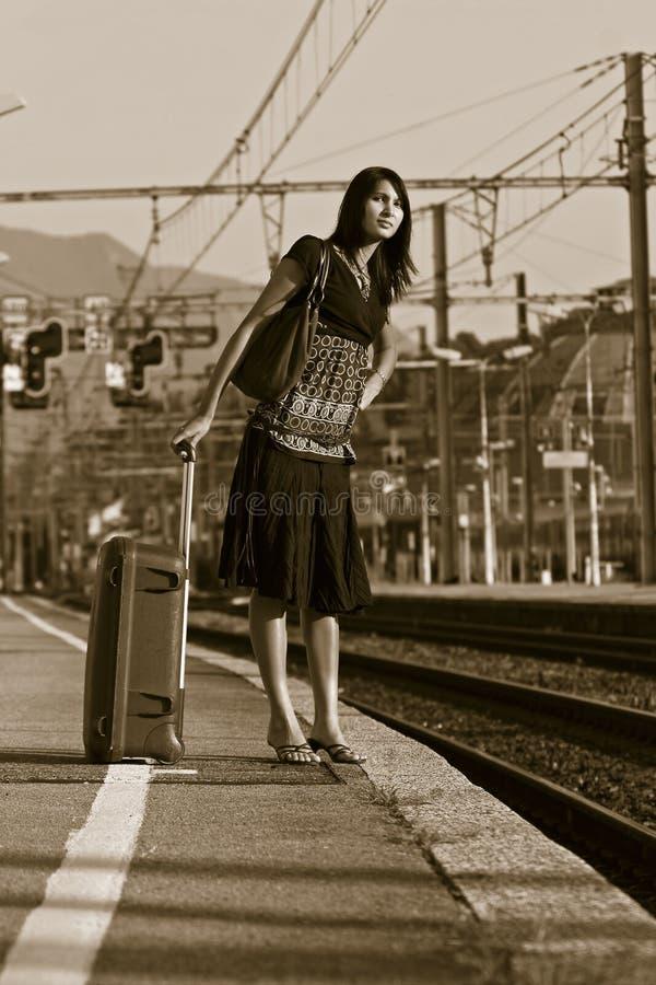 путешествие выходя женщина стоковые фотографии rf