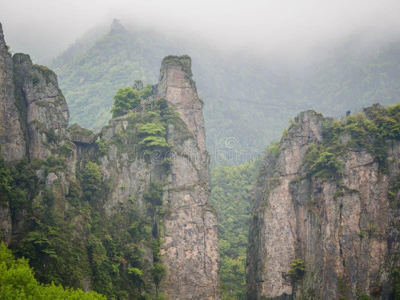 Download Путешествие старого следа Huihang пешее Стоковое Изображение - изображение насчитывающей hiking, фарфор: 40591925