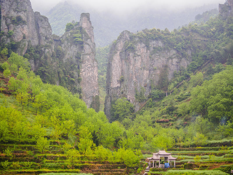 Download Путешествие старого следа Huihang пешее Стоковое Изображение - изображение насчитывающей лето, пепельнообразные: 40591943
