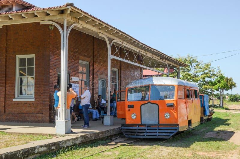 Путешествие Litorina на железной дороге Estrada de Ferro Мадейры-Mamore в Por стоковое изображение rf