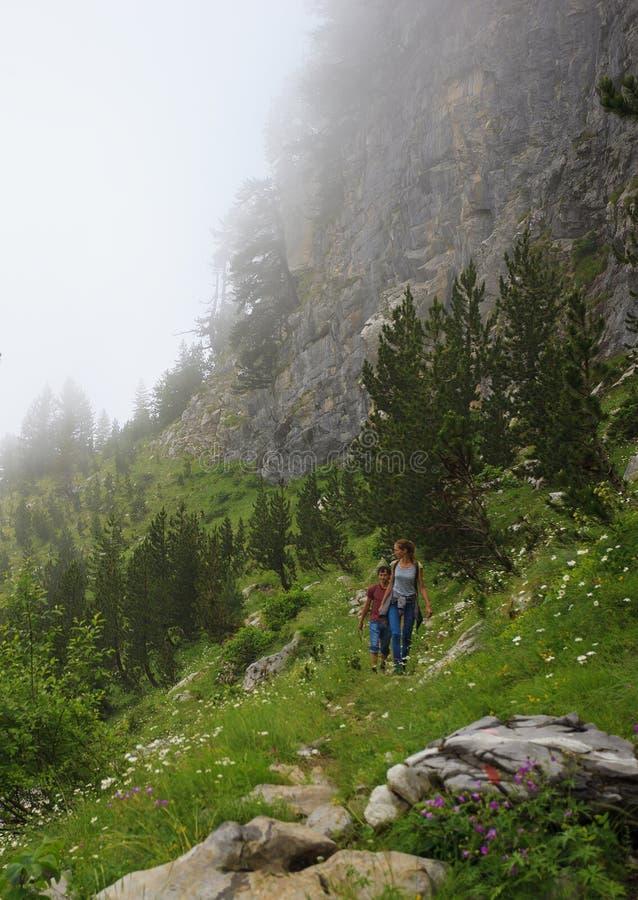 Путешествовать в горах стоковое фото
