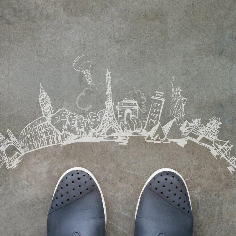 путешествовать нарисованный рукой по всему миру стоковая фотография rf