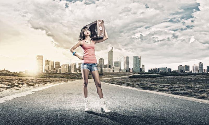 Download Путешествовать Autostop стоковое фото. изображение насчитывающей небо - 41650818