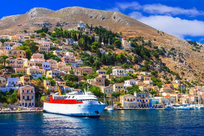 Путешествуйте в Греции - пароме в острове Symi, Dodecanesse стоковая фотография