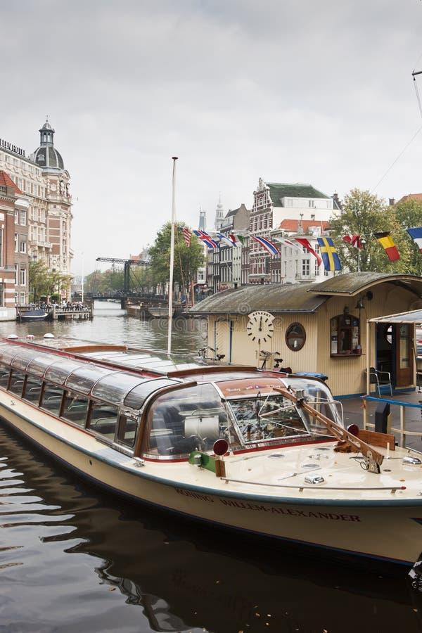 Путешествуйте шлюпка названная для голландского короля, Амстердам стоковая фотография