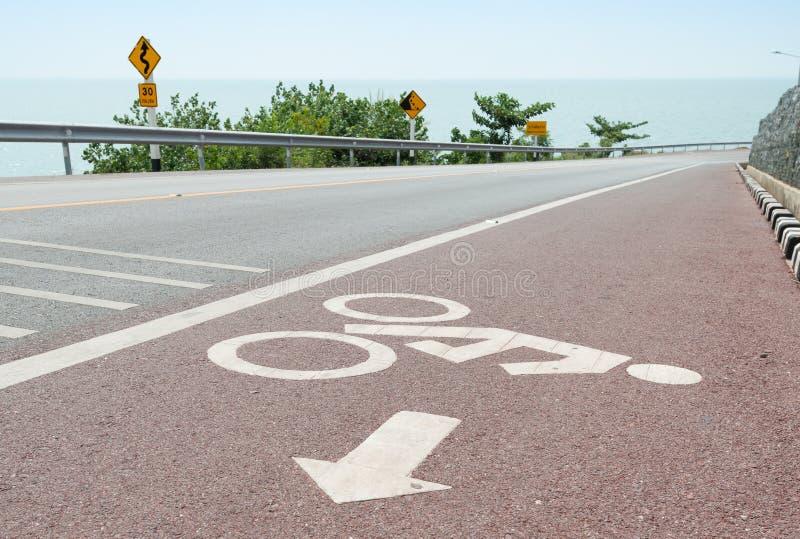 Путь велосипеда майны велосипеда и прибрежная дорога стоковые фото