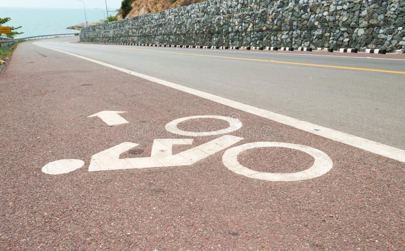 Путь велосипеда майны велосипеда и прибрежная дорога стоковая фотография