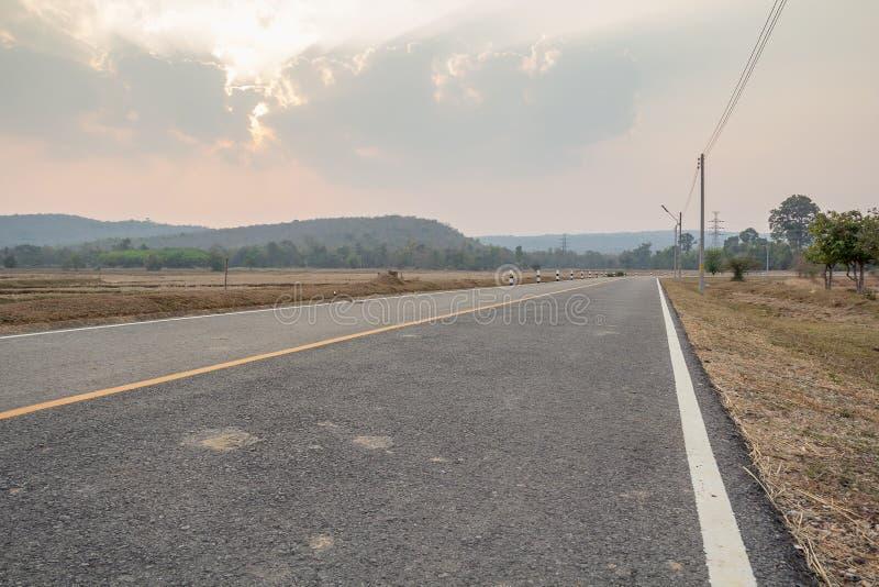 Путь вокруг горы стоковое фото rf