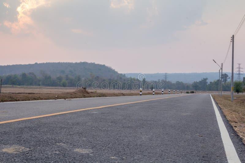 Путь вокруг горы стоковое изображение