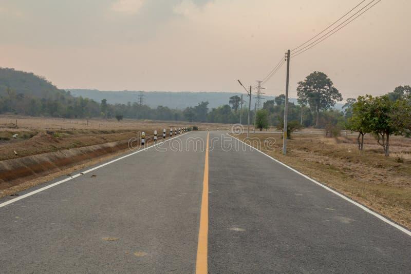 Путь вокруг горы стоковое изображение rf