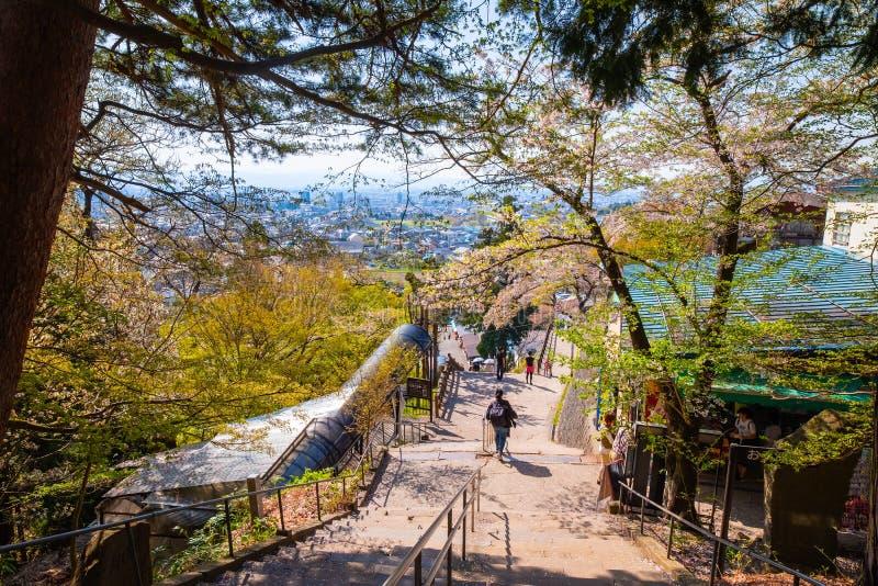 Путь до места захоронения Byakkutai на Mt Iimori стоковая фотография