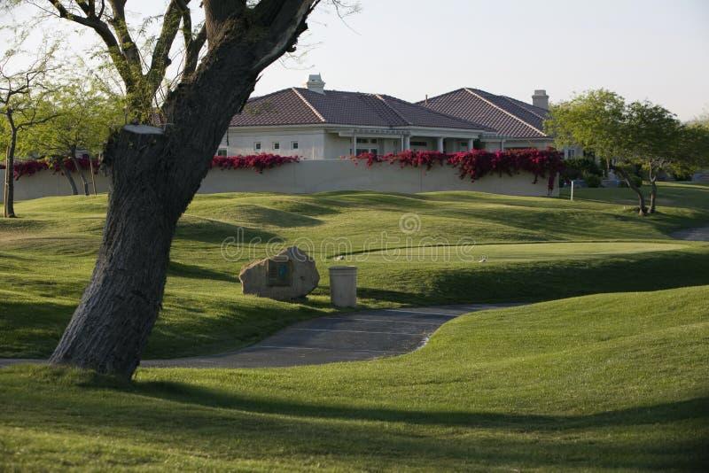 Путь тележки гольфа стоковые фото