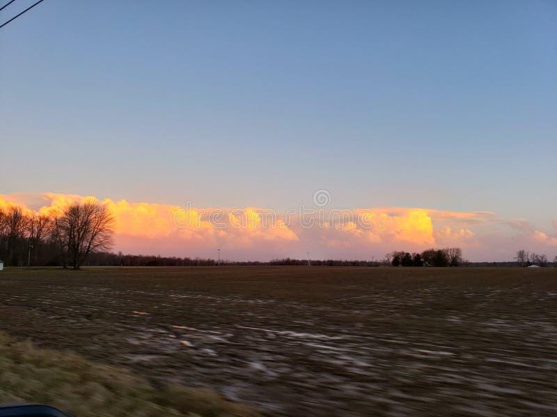 Пушистые облака стоковая фотография