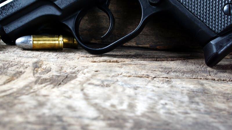 Пули и пушка стоковая фотография rf