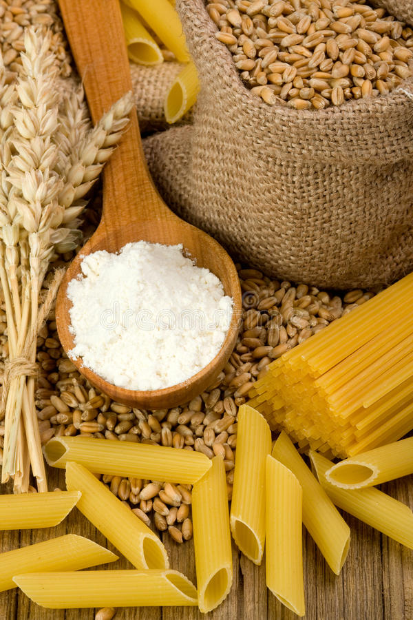 пшеница макаронных изделия стоковое изображение rf