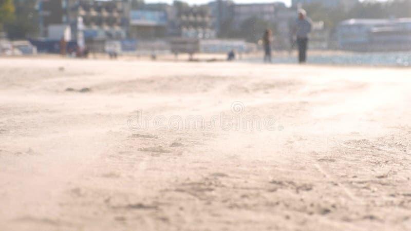 Пыльная буря на пляже в небольшом прибрежном городе стоковое фото rf