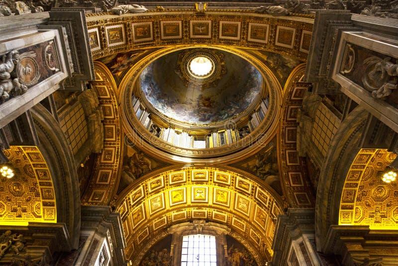 Пышный потолок на Ватикане стоковая фотография
