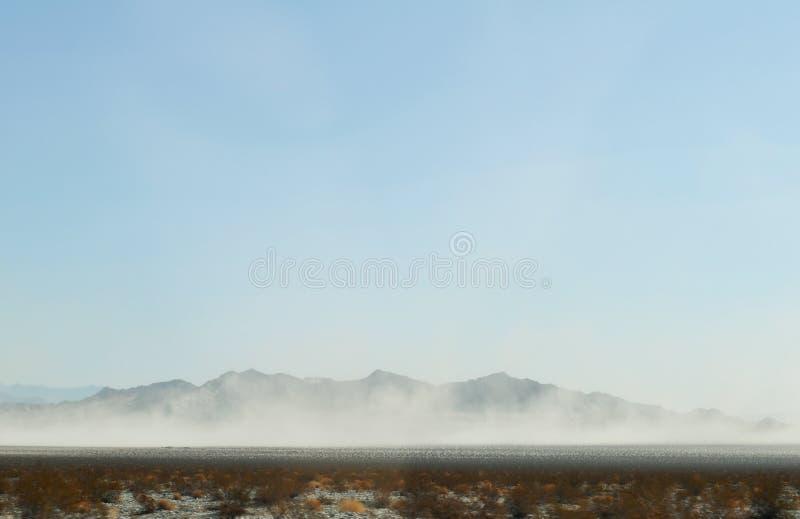 Пыльная буря пустыни Мохаве стоковая фотография