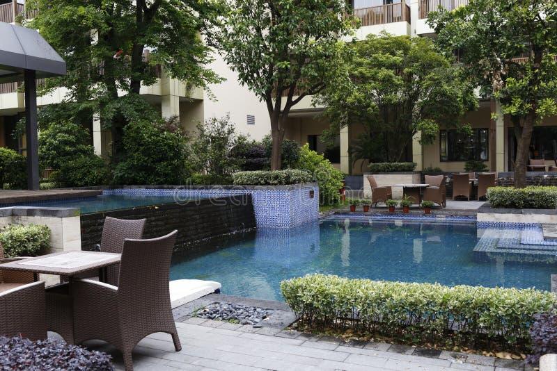Пятизвездочный сад гостиницы стоковое изображение