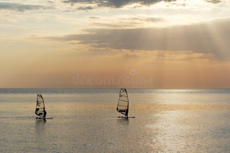 Плавать на море стоковые изображения rf