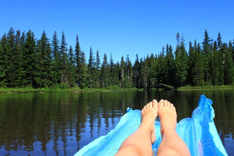Плавать озеро стоковые изображения rf
