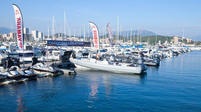 Плавать яхты и моторные лодки удовольствия, Аяччо стоковое изображение rf
