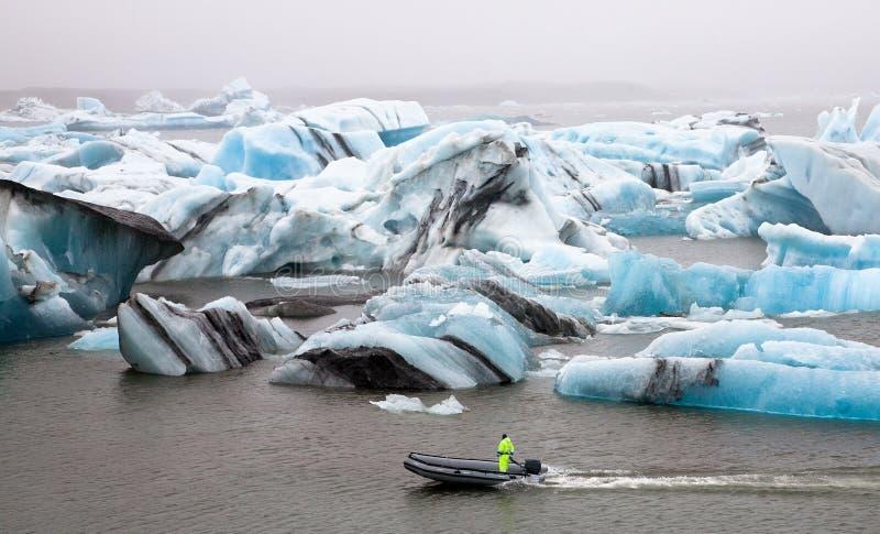 плавая лагуна jokulsarlon айсбергов ледника стоковая фотография