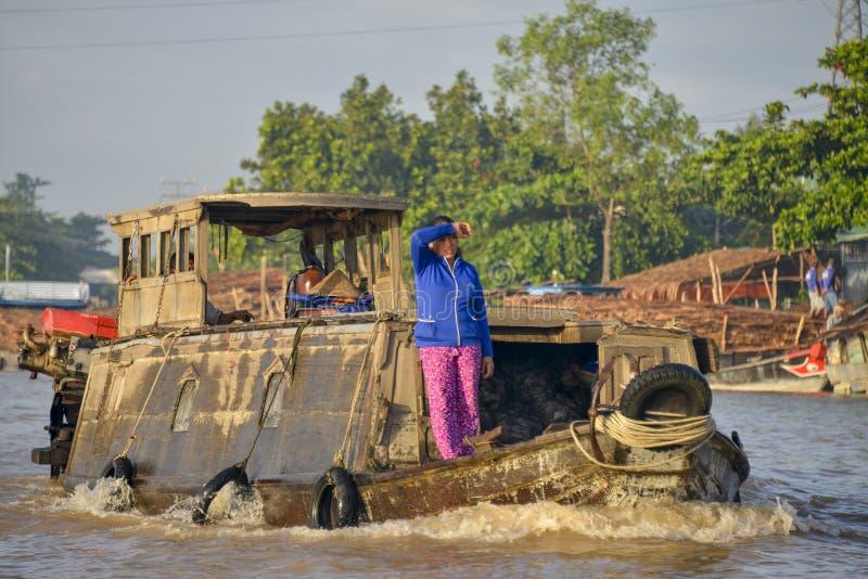 Плавая рынок, перепад Меконга, Can Tho, Вьетнам стоковая фотография