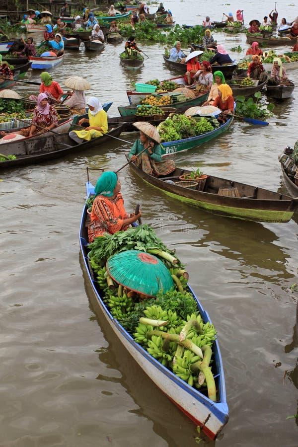 Плавая рынок 2016 стоковая фотография