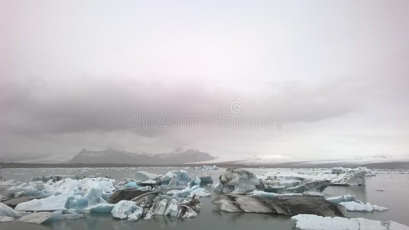 Плавя лед в Исландии стоковые фотографии rf