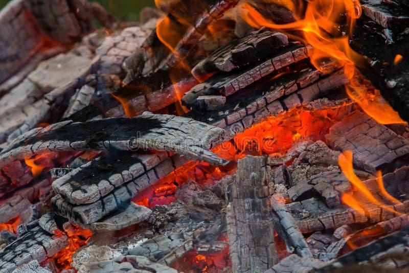 Пламя горит стоковые фото