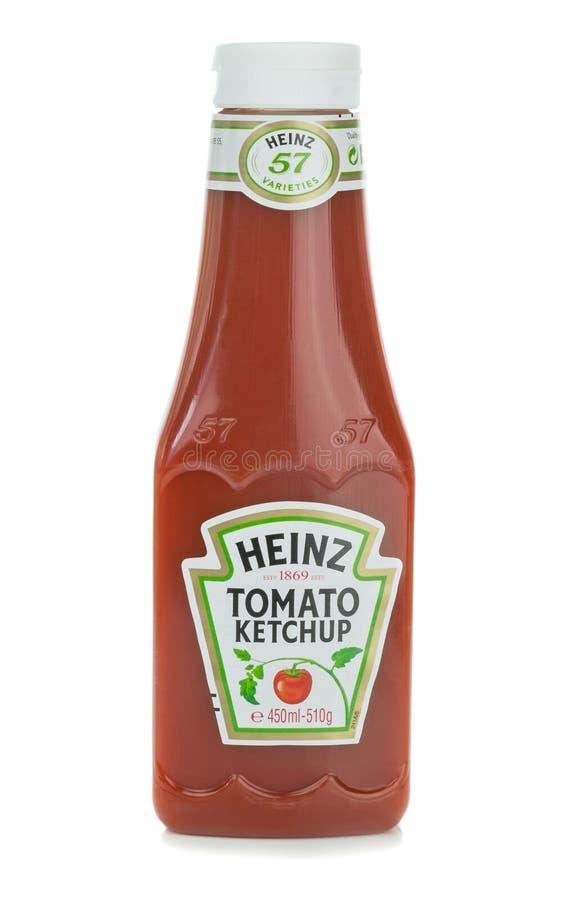 Пластичная бутылка кетчуп томата Хайнц стоковое фото rf