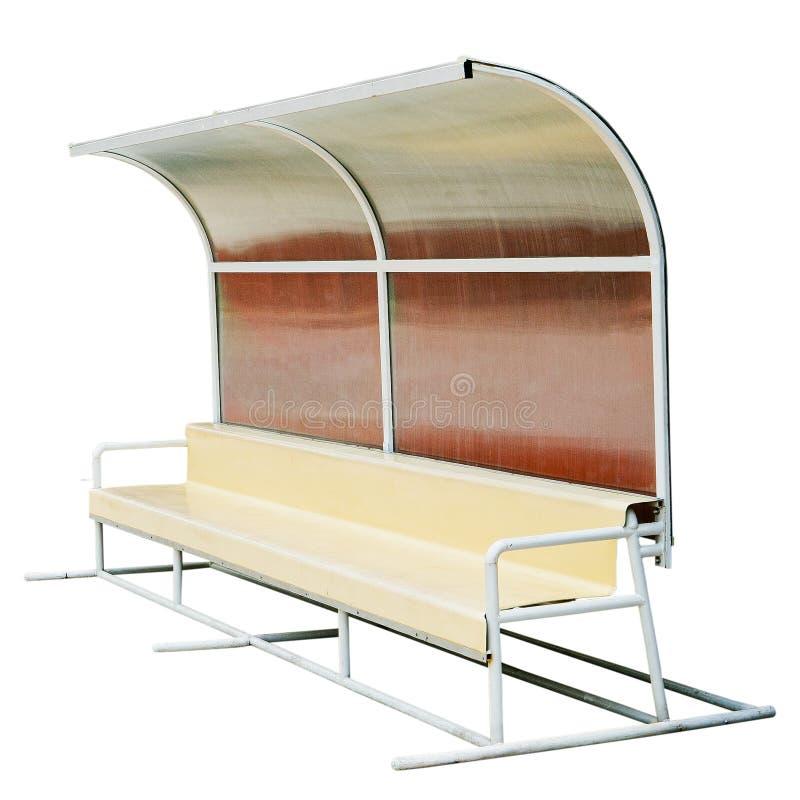 Пластичные стулья на автобусной остановке стоковые изображения rf