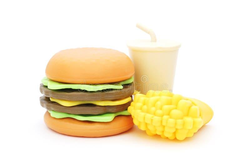 Пластичный гамбургер игрушки с холодным питьем и зажаренный француз стоковые фотографии rf